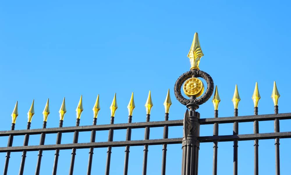 iron fencing rust